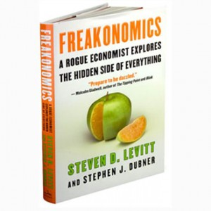 1103044084_20091005035631_buku-freakonomics copy