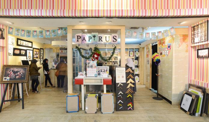 review studio foto papyrus